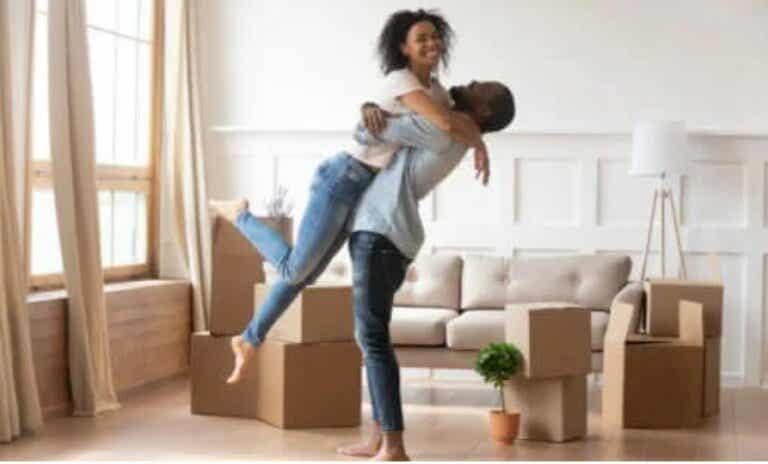 Οκτώ τρόποι για να ερωτευτείτε ξανά τον σύντροφό σας