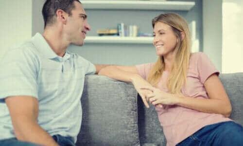 Συναισθηματική επικοινωνία: Συμβουλές για να συνδεθείτε και να εκφραστείτε καλύτερα