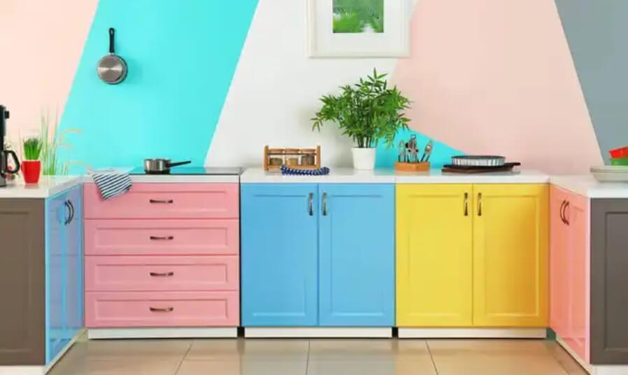 πολύχρωμα ντουλάπια