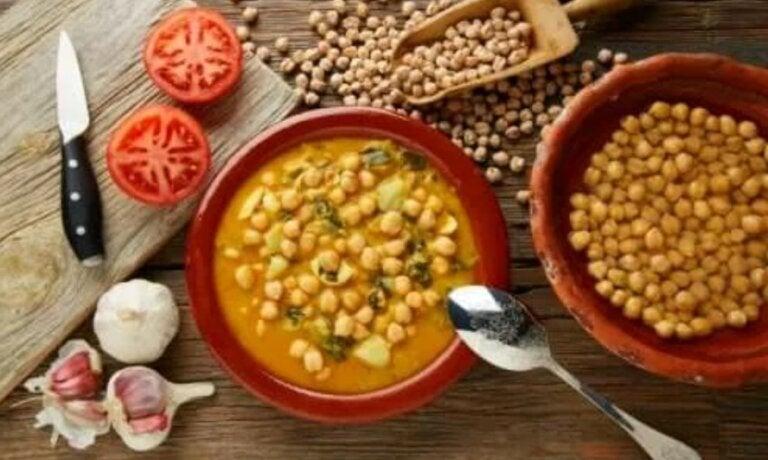 Σπανάκι με ρεβίθια γιαχνί: Μια φανταστική συνταγή