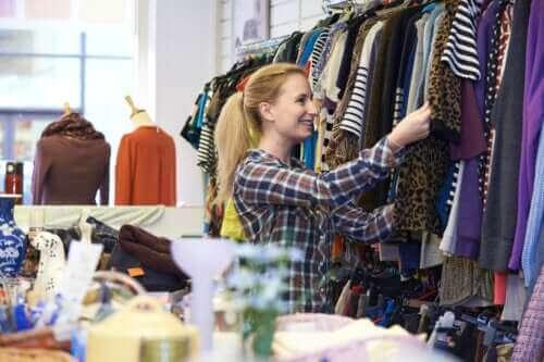 6 συμβουλές για ν' αγοράζετε ρούχα από δεύτερο χέρι