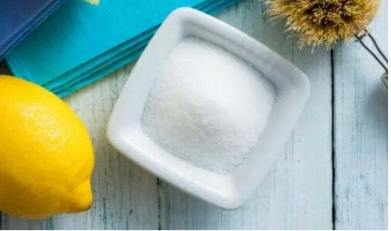 Κιτρικό οξύ: Πώς να το χρησιμοποιήσετε στο καθάρισμα