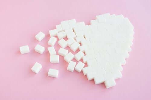 Μάθετε πώς η ζάχαρη μπορεί να επηρεάσει την καρδιά