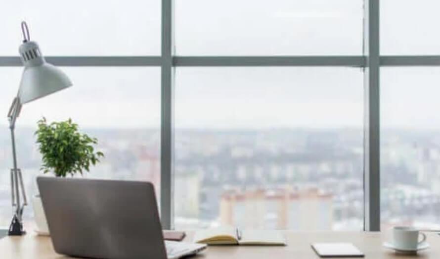 Πώς να αυξήσετε τον φωτισμό στο χώρο εργασίας σας