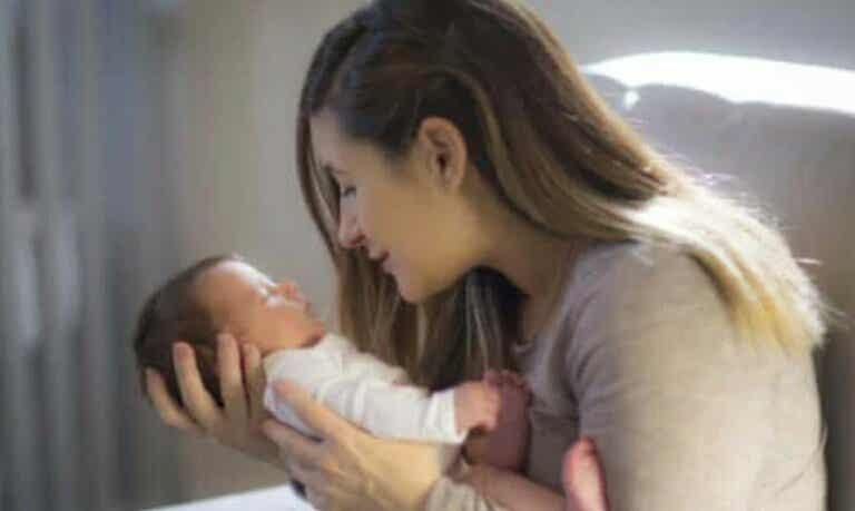 Συμβουλές για την τόνωση της οπτικής ικανότητας ενός μωρού