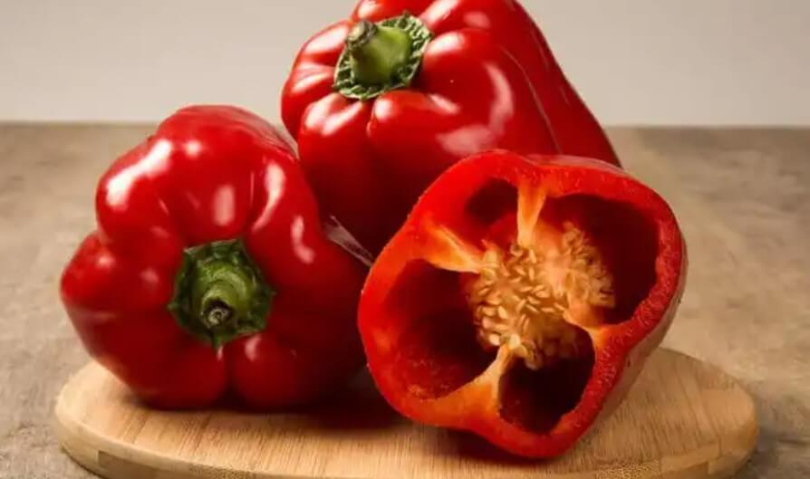 κόκκινες πιπεριές