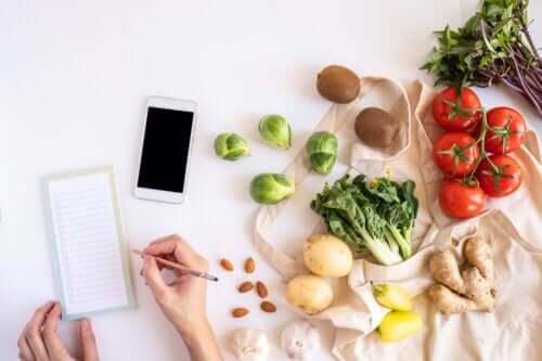 Δίαιτα Noom: Πλεονεκτήματα, μειονεκτήματα και τρόφιμα