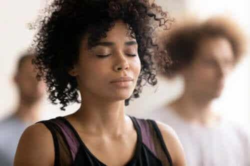Ολοτροπική αναπνοή: Ποια είναι τα οφέλη και οι κίνδυνοι