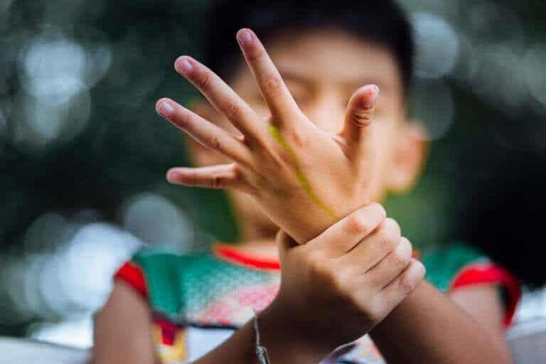 Νεανική ιδιοπαθής αρθρίτιδα: Αιτίες και θεραπείες