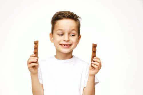 Είναι ασφαλές για τα παιδιά να τρώνε σοκολάτα;